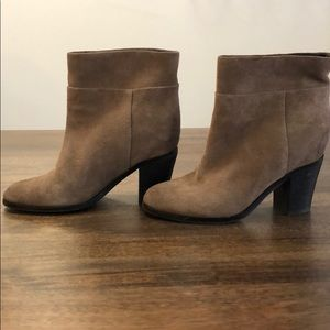 Kenneth Cole Tan Suede Booties size 6.5